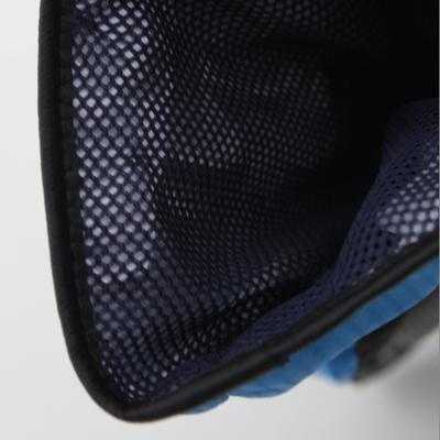 防水透湿性能を持つ特殊フィルムをグローブ内に入れることで、防水性能を高めます