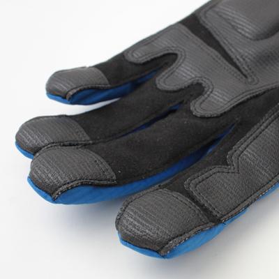 掌部のスリップストップ素材が抜群のグリップ力を発揮します。