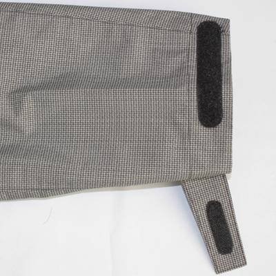 袖口はクイックロン付きタブでアジャストできます。