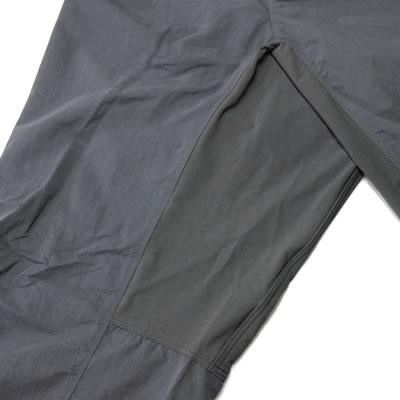 衣服からくる余計なストレスを軽減するために立体裁断を採用。