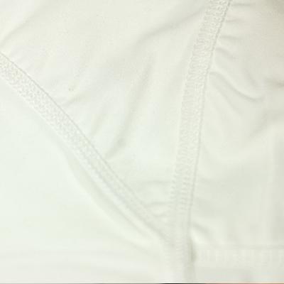 肌当たりを考慮した縫製。
