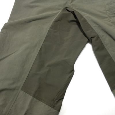 足上げを考慮した3Dカッティング 衣服からくる余計なストレスを軽減するために立体裁断を採用。