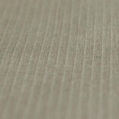 耐久撥水加工を施した素材を採用。水や汚れ対策だけでなく、速乾性にも優れ、程よいストレッチで快適です。