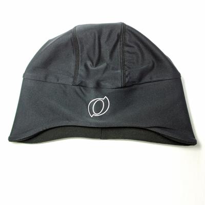 額・耳部分には起毛素材を配置し、着用感・保温性を考慮した設計になっています。