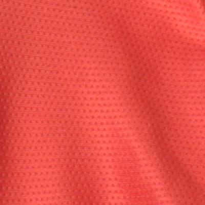袖、膝下、脇メッシュパネル 運動性と通気性を考慮してストレッチメッシュ素材を配置。