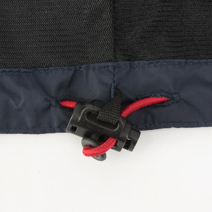 裾ゴムコードでサイズ調整可能