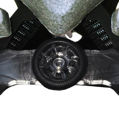 軽量でコンパクト性能も兼ね備える、簡単で確実な着脱を可能にするダイヤル式のフィットシステム。