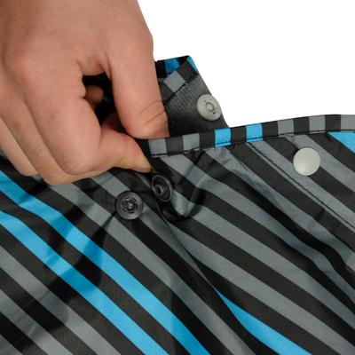 同じ色のボタンを組み合わせてフード部分が形成できます。