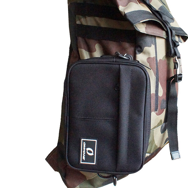 バッグのサイドベルトに取付可能