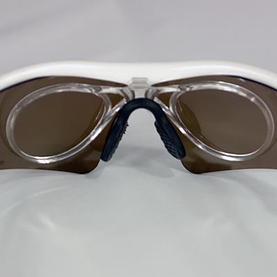 度付レンズを埋め込めるCLIP ON対応。