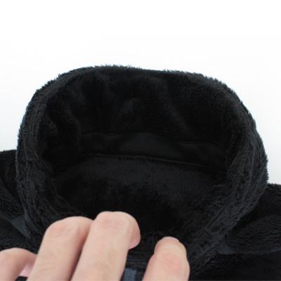 内前立上部を折り返してあるので、ファスナースライダーが肌に当たるのを防いでくれます。