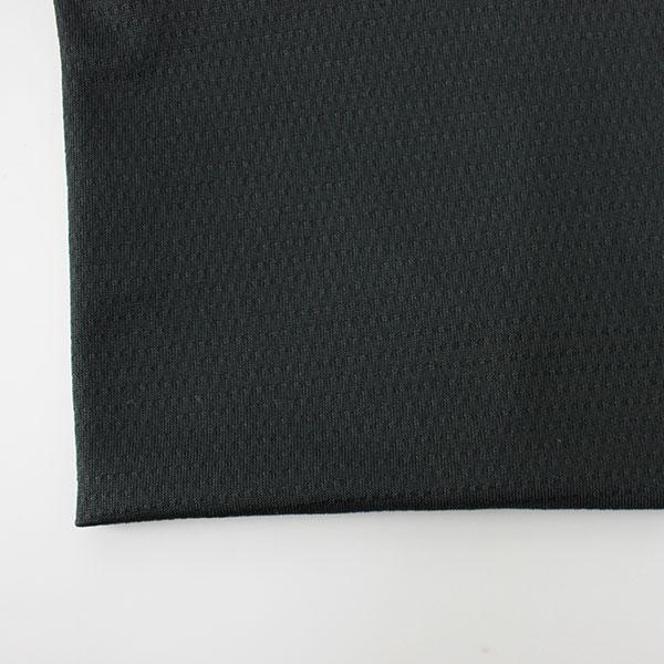 2WAYストレッチ:ポリウレタン繊維を含む伸縮性のある素材。アクティブな動きにも快適な運動性を実現します。