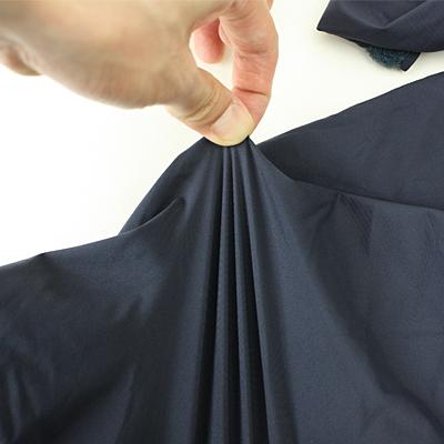 BODY素材はソフトストレッチで柔らかく、運動性に優れています。