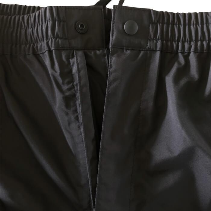 パンツ二重比翼:横からの雨の侵入を防ぐ二重比翼仕様。