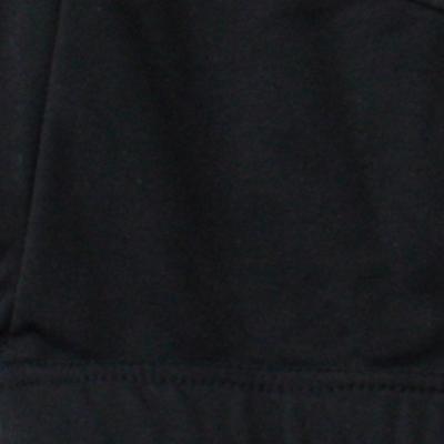 運動性と保温性を考慮して、脇、背中中心、袖内側に裏起毛ストレッチ素材を配置。適度な通気性も確保できるので衣服内のムレを軽減します。