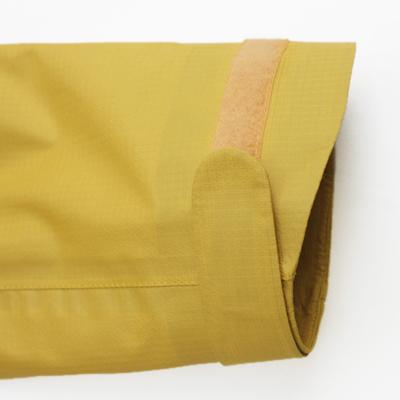 着用の状況に合わせて袖口のフィット性を調整可能。