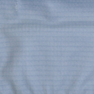 汗を素早く吸収し乾燥させ、衣服内をドライな状態に保ちます。